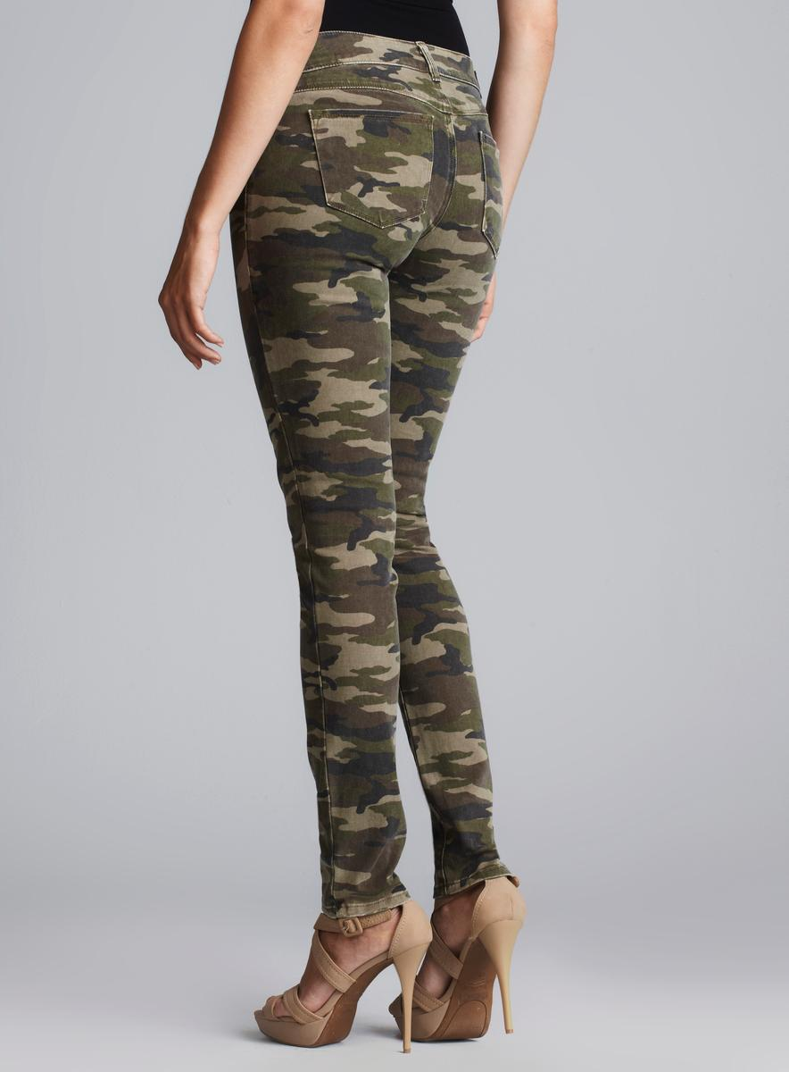 Add some earthy style to any everyday ensemble with an assortment of Camouflage Pants. Find Men's Camouflage Pants and Boys Camouflage Pants at Macy's. Skinny jeans are great for everyone, Womens Camo Pants; Apply.