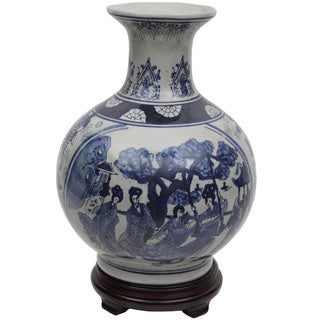 Handmade 14-Inch Blue and White Porcelain Vase (China)
