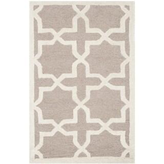 Safavieh Handmade Moroccan Cambridge Beige Wool Rug (2'6 x 4')