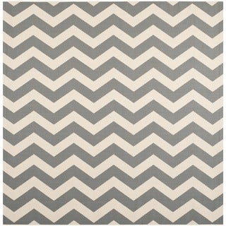 Safavieh Courtyard Zig-Zag Grey/ Beige Indoor/ Outdoor Rug (7'10 Square)