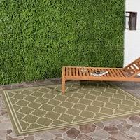 Safavieh Courtyard Transitional Green/ Beige Indoor/ Outdoor Rug - 8' x 11'