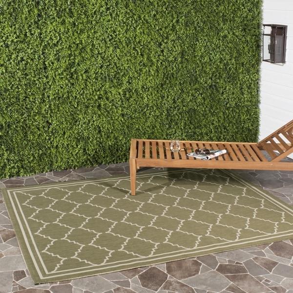 Safavieh Courtyard Transitional Green/ Beige Indoor/ Outdoor Rug - 9' x 12'