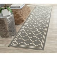 Safavieh Courtyard Transitional Grey/ Beige Indoor/ Outdoor Rug - 2'3 x 6'7