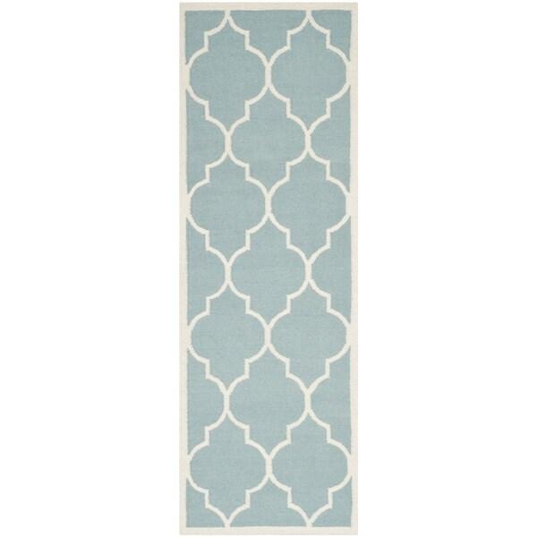 Safavieh Hand-woven Moroccan Reversible Dhurrie Light Blue Wool Rug - 2'6 x 6'