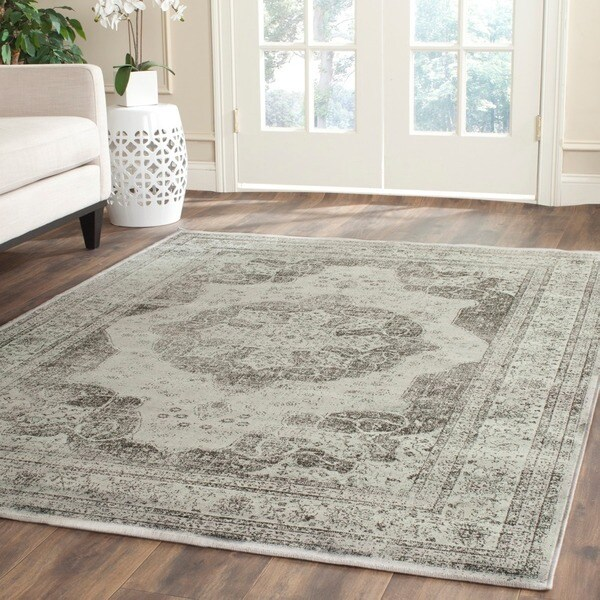 Safavieh Vintage Grey/ Multi Distressed Silky Viscose Rug (8' x 11'2) - 8' x 11'2