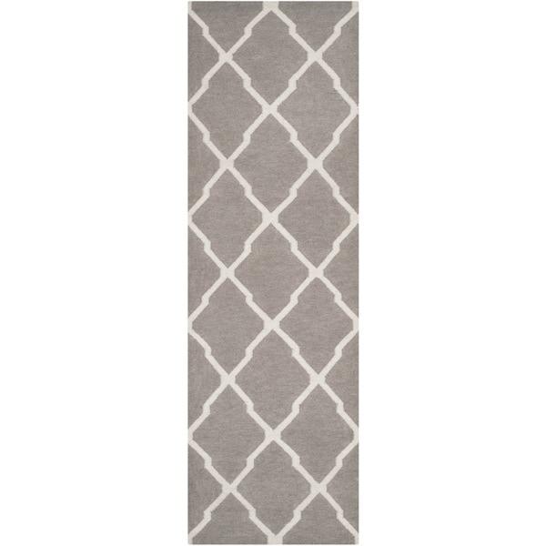Safavieh Dark Grey Handwoven Moroccan Reversible Dhurrie Wool Area Rug - 2'6 x 12'