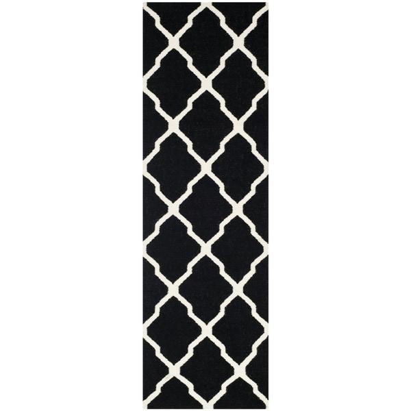 Safavieh Hand-woven Moroccan Reversible Dhurrie Black Wool Rug - 2'6 x 6'