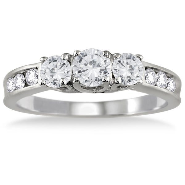 10K White Gold 1ct TDW Round Diamond Three Stone Ring