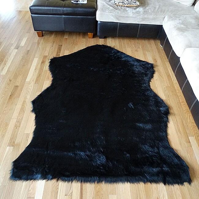 Black Bear hide Acrylic Fur Rug (5'x7') (Black bear rug),...