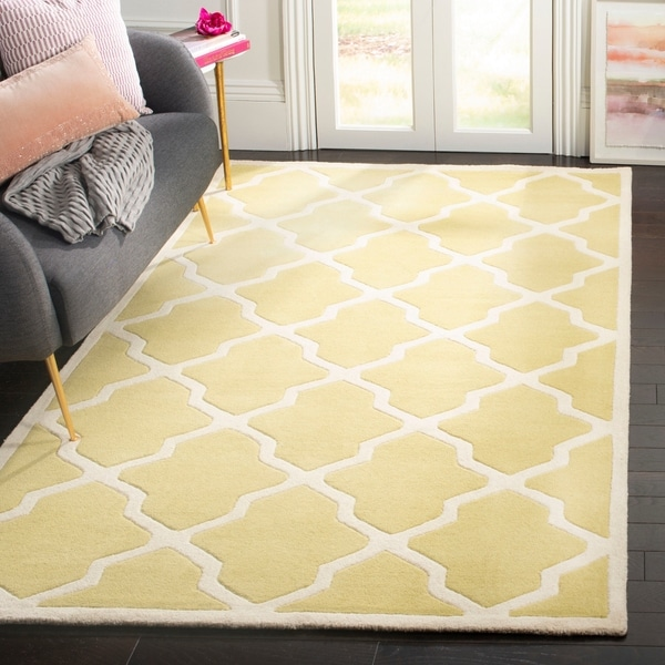 Safavieh Handmade Moroccan Chatham Light Gold/ Ivory Wool Rug - 8' x 10'