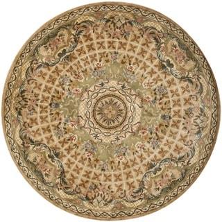 Safavieh Hand-made Classic Taupe/ Light Green Wool Rug (8' Round)