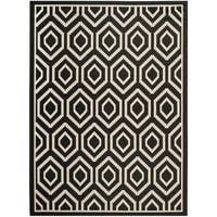 "Safavieh Courtyard Honeycomb Black/ Beige Indoor/ Outdoor Rug - 6'7"" x 9'6"""