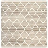 Safavieh Hand-woven Natural Kilim Light Grey/ Ivory Wool Rug - 7' x 7' Square