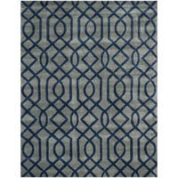 Safavieh Hand-made Soho Grey/ Dark Blue Wool Rug - 7'6 x 9'6