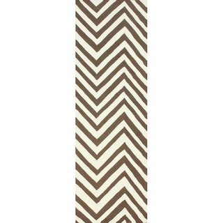 nuLOOM Handmade Alexa Chevron Brown Wool Runner Rug (2'6 x 10')
