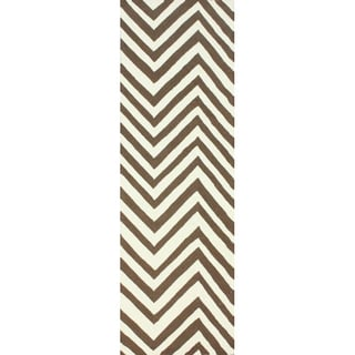 nuLOOM Handmade Alexa Chevron Brown Wool Runner Rug (2'6 x 12')