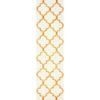 nuLOOM Handmade Moroccan Trellis Faux Silk Wool Runner Rug (2'6 x 10')