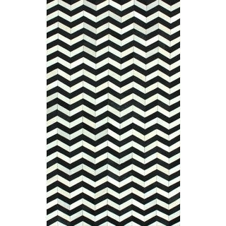 nuLOOM Handmade Chevron Black Cowhide Leather Rug (7'6 x 9'6)