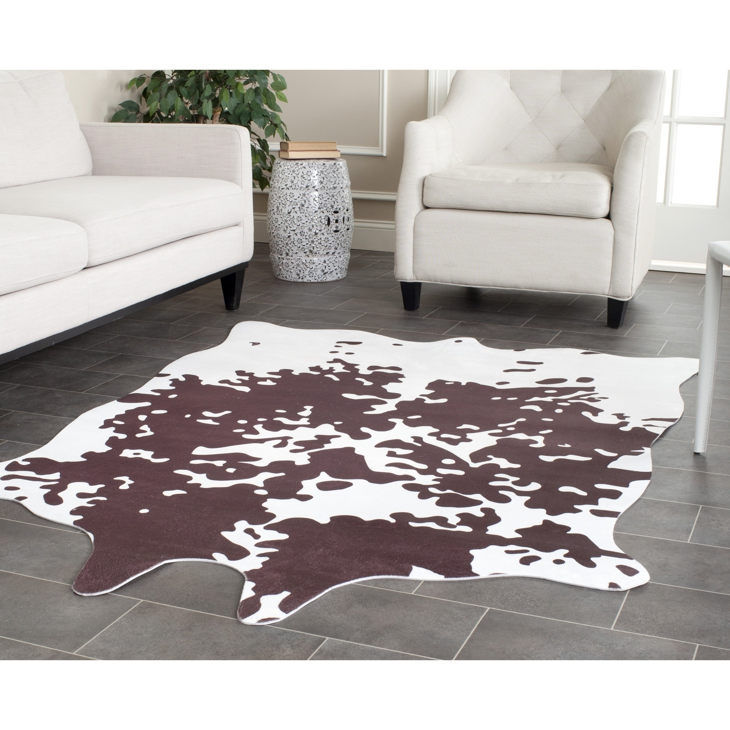 Safavieh Faux Cowhide Darci Rustic Polyester Rug