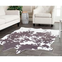 Safavieh Faux Cowhide Grey/ White Polyester Rug - 5' x 6'6