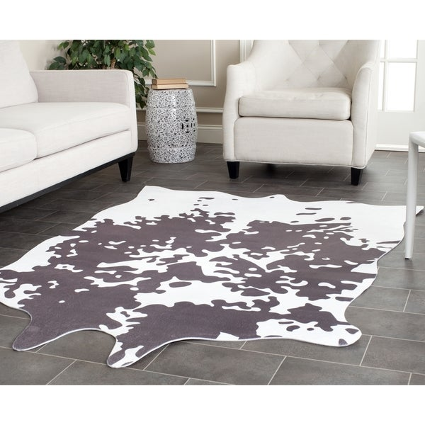 Safavieh Faux Cowhide Grey White Polyester Rug 5 X 6 6