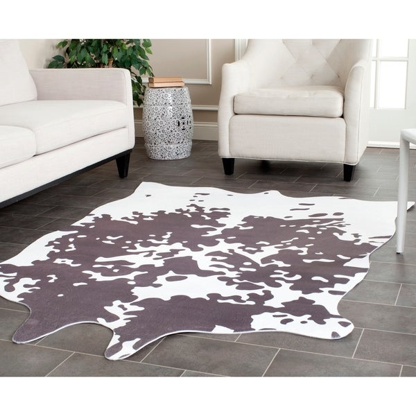 """Safavieh Faux Cowhide Grey/ White Polyester Rug - 5' x 6'6"""""""