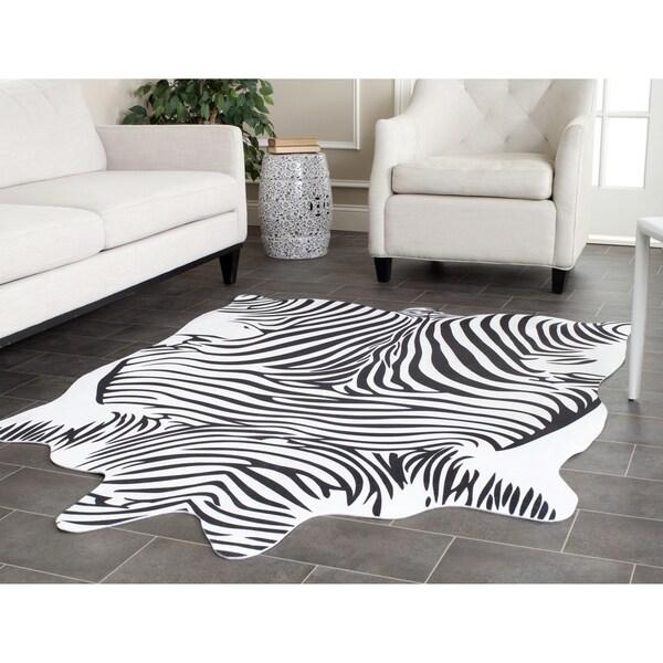 Safavieh Faux Zebra Black/ White Polyester Rug (5' X 6'6