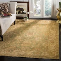 Safavieh Hand-knotted Oushak Green/ Beige Wool Rug - 9' x 12'