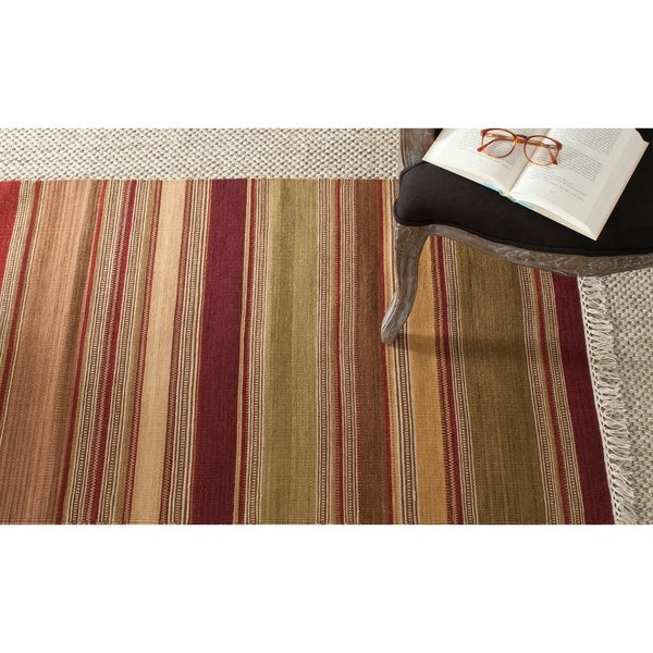 "Safavieh Hand-woven Striped Kilim Red Wool Rug - 2'6"" x 4'"