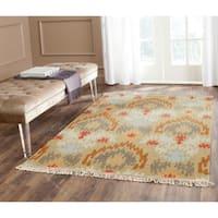 Safavieh Hand-woven Sumak Sage Wool Rug - 8' x 10'
