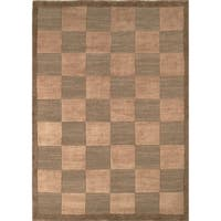 Safavieh Hand-knotted Tibetan Checkers Green/ Beige Wool Rug - 10' x 14'
