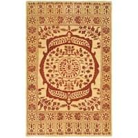 "Safavieh Hand-made Taj Mahal Light Gold/ Red Wool Rug - 5'6"" x 8'6"""