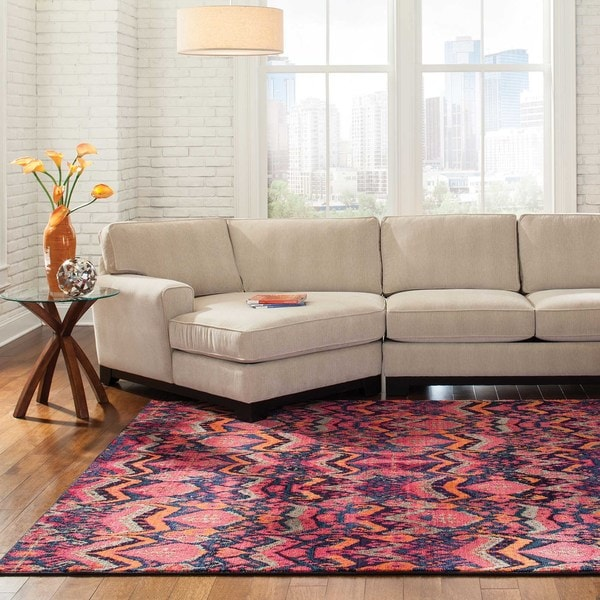 "Vibrant Tribal Pink/ Orange Area Rug (4' x 5'9) - 4' x 5'9"""