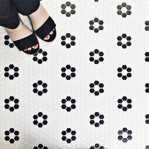 """SomerTile Metro Hex Matte White with Flower 10.25""""x11.88"""" Porcelain Mosaic Floor and Wall Tile (10 tiles/8.65 sqft.)"""