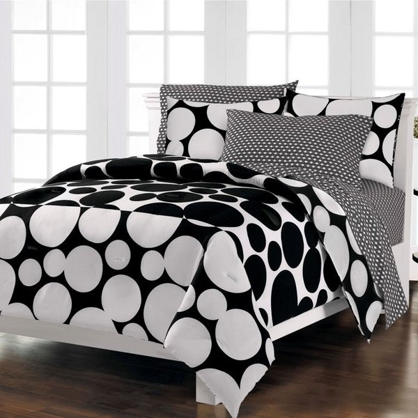 Spot the Dot 7-piece Bed in a Bag with Sheet Set