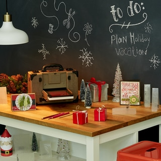 Sizzix Tim Holtz Vagabond Electronic Die Cutting Machine Holiday Value Bundle + 7 Bonus Folders