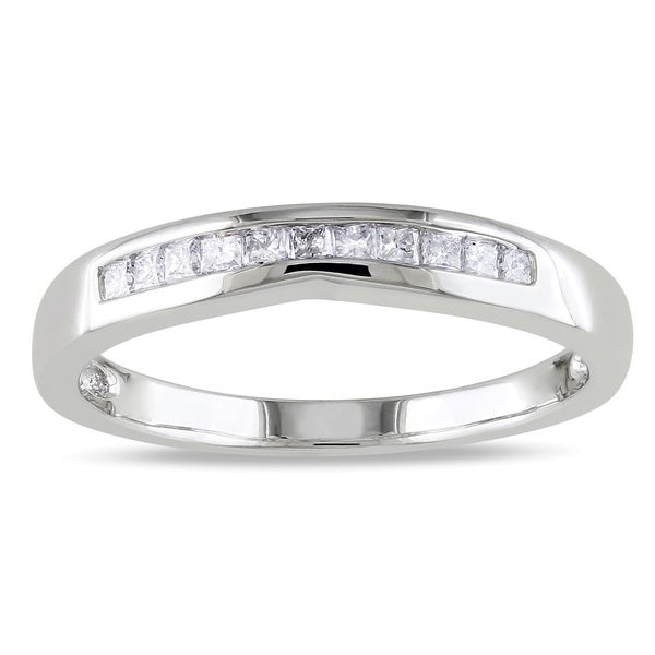 Miadora 10k White Gold 1/5ct TDW Curved Diamond Wedding Band (H-I, I2-I3)