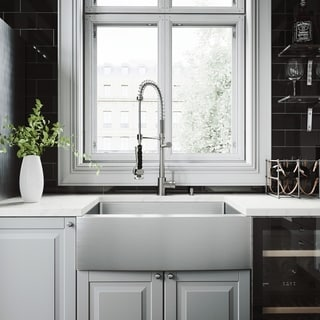 VIGO Bedford 30-inch Farmhouse Kitchen Sink and Zurich Faucet Set