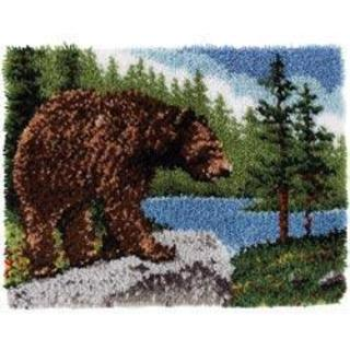 Classics Latch Hook Kit 20 X30 - Grizzly Bear