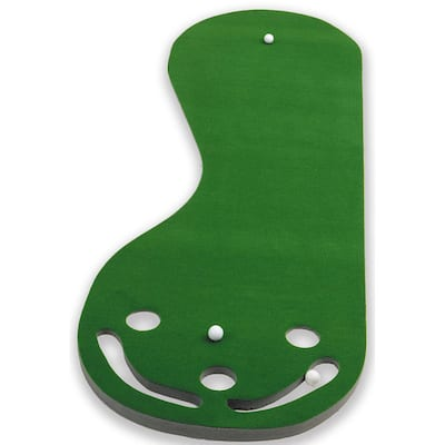 Par 3 Putting Green with Incline