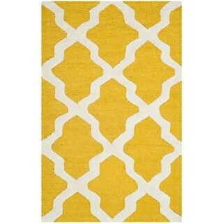 Safavieh Handmade Moroccan Cambridge Gold/ Ivory Wool Rug (2'6 x 4')