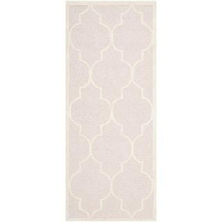 Safavieh Handmade Moroccan Cambridge Light Pink/ Ivory Wool Rug (2'6 x 8')