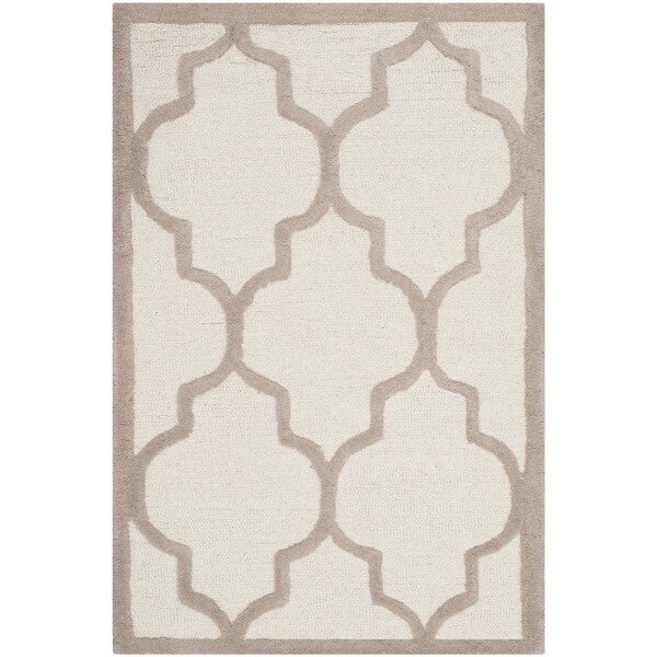 Safavieh Handmade Moroccan Cambridge Ivory/ Beige Wool Rug (2'6 x 4')