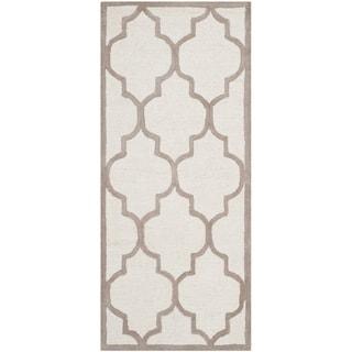Safavieh Handmade Moroccan Cambridge Ivory/ Beige Wool Rug (2'6 x 6')