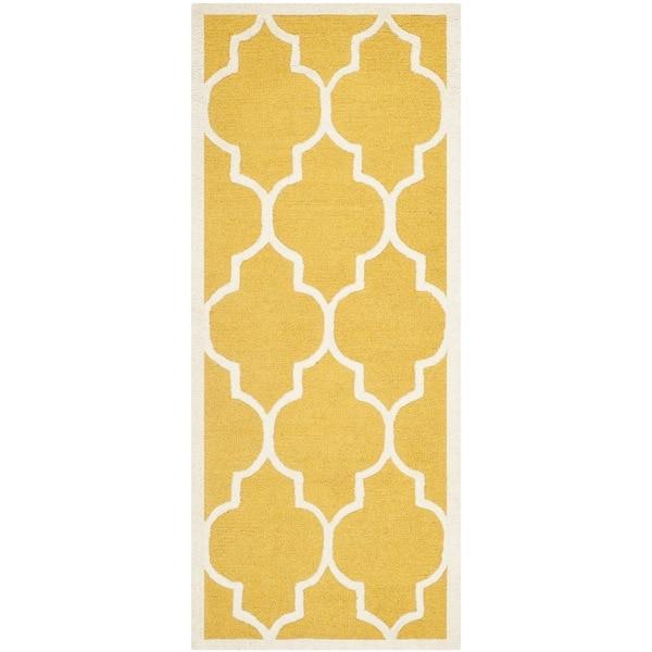 Safavieh Handmade Moroccan Cambridge Gold/ Ivory Wool Rug (2'6 x 12') - 2'6 x 12'