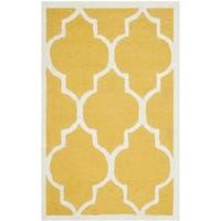 Safavieh Handmade Moroccan Cambridge Gold/ Ivory Wool Rug - 2'6 x 4'