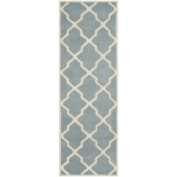 Safavieh Handmade Moroccan Chatham Blue/ Ivory Wool Rug with Durable Backing (2'3 x 5') - 2'3 x 5'