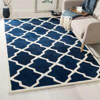 Safavieh Handmade Moroccan Chatham Geometric-pattern Dark Blue/ Ivory Wool Rug (5' x 8') - 5' x 8'
