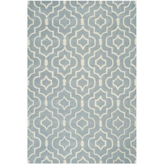 Safavieh Handmade Moroccan Chatham Blue/ Ivory Wool Rug (6' x 9')