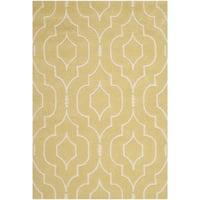 Safavieh Handmade Moroccan Chatham Light Gold/ Ivory Wool Rug - 4' x 6'